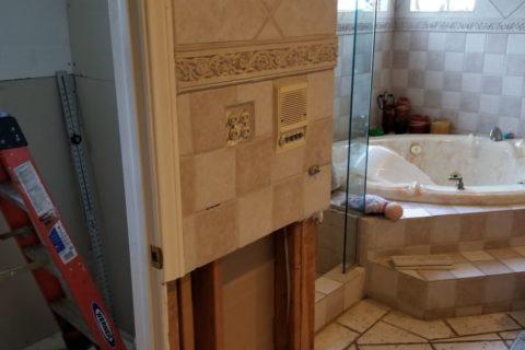 symmetric and elegant tiling in a bathroom