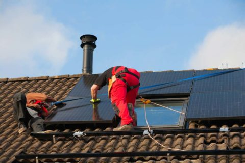 Solar systems installation for homes in Los Angeles.