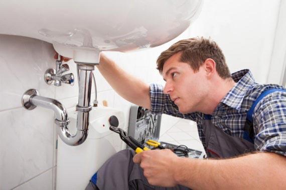 General contractor performing repairs